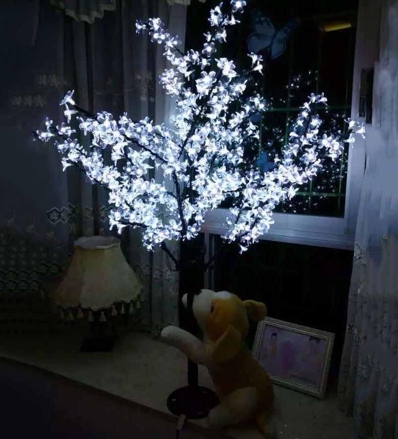 LED tree light (30)