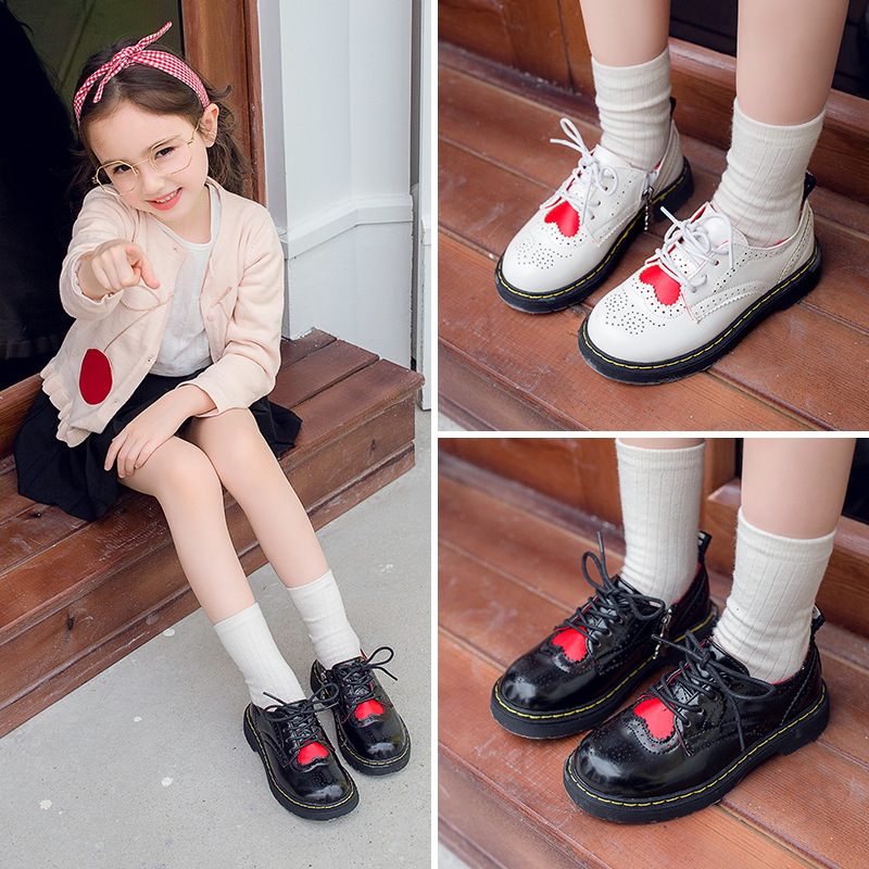 все цены на AAdct 2018 Fashion girls shoes spring autumn new leather children shoes love princess British style little kids shoes for girls онлайн