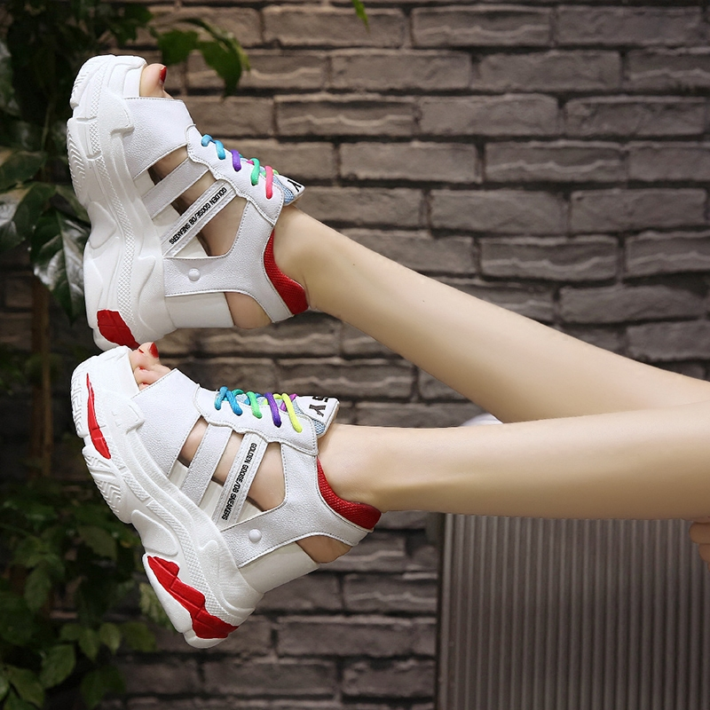 цена на Summer Outdoor Beach Sandals Women Sports Shoes Fashion Female Thick Bottom Couples Sandals Flat Platform Student Sport Shoes