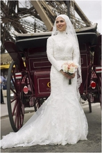Romantic Hijab Veil Lace Turkish Muslim Wedding Dresses Turkey Sheath Beaded Sash Islamic Middle East Dubai Kaftan Wedding Gown
