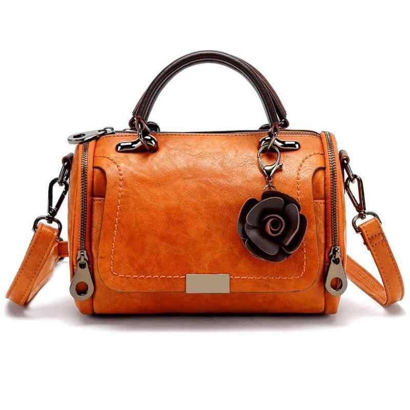 5e29dd7f9c3f Для женщин сумка из натуральной кожи Кроссбоди сумка женская мягкая кожа  цветок подвеской женская сумка через