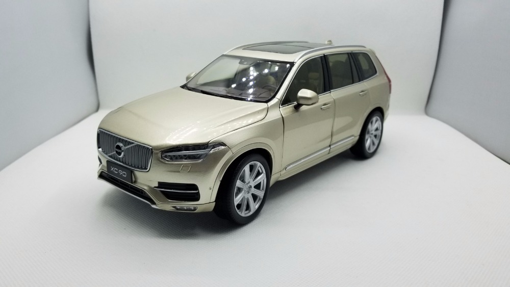 цена на 1:18 Diecast Model for Volvo XC90 2015 Gold SUV Alloy Toy Car Miniature Collection Gifts XC 90