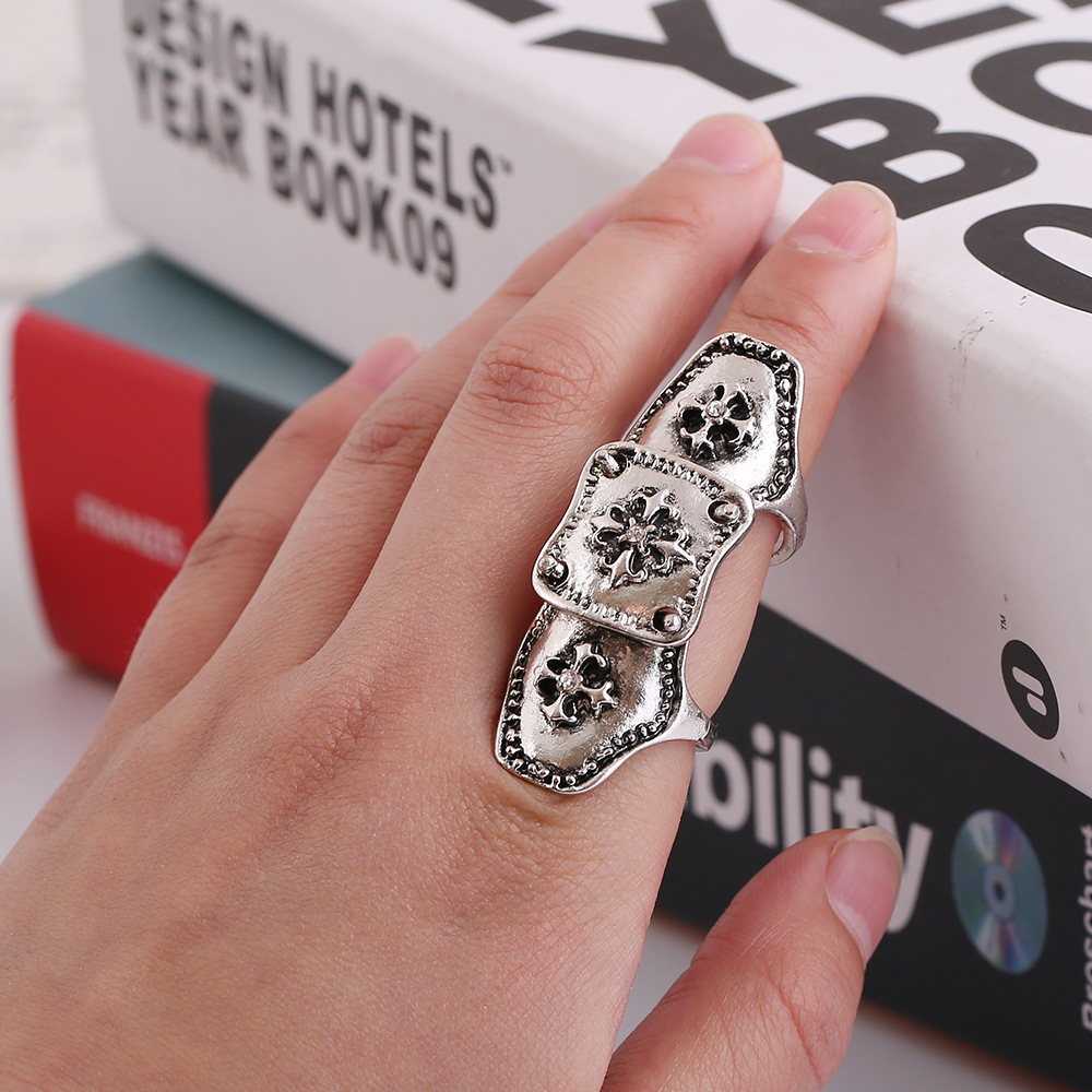 813 Punk Exaggerated Metal Texture Finger Ring European Most Popular Retro Cross Knuckle Ring For Men