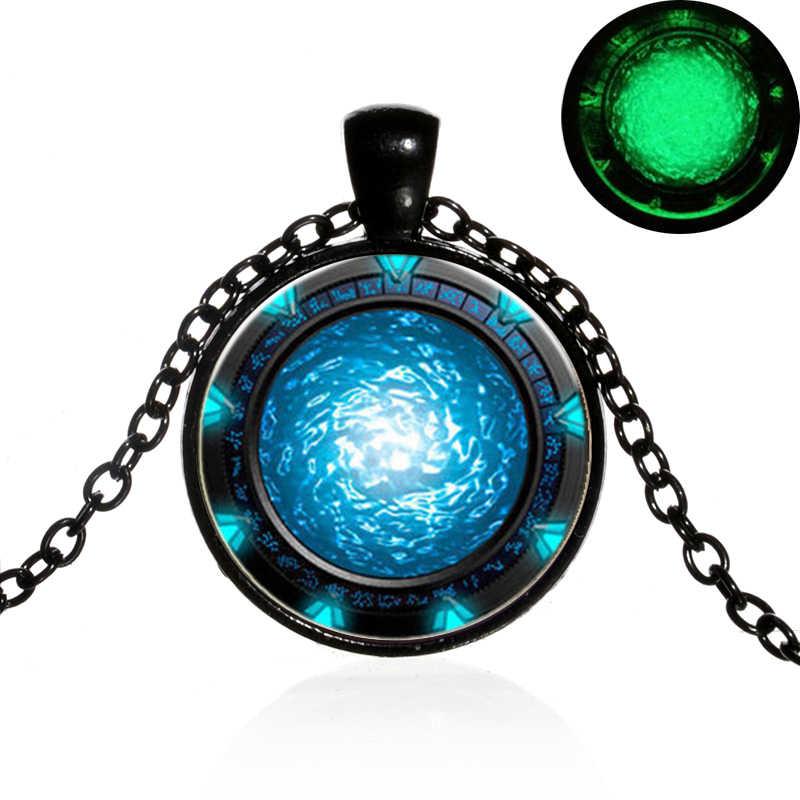 Sian Menyala Dalam Gelap Stargate Portal Atlantis Panjang Kalung Buatan Tangan Seni Foto Kaca Cabochon Liontin Kalung Drama TV Perhiasan
