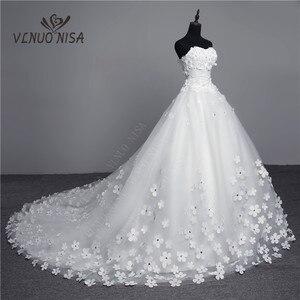 Image 3 - Luksusowy kryształ perły 3D kwiat 2020 koronka w stylu vintage suknia ślubna duży pociąg Plus rozmiar suknia szata de Mariee Vestido De Noiva