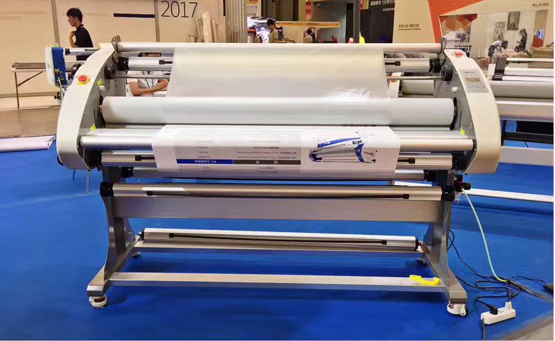 Multi Function Wide Format Cold Laminating Machine 63Inch Cold Laminator Equipment FY 1600DA