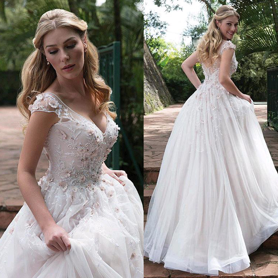 Romantic Tulle V-neck Neckline A-line Wedding Dresses With Embroidery 3D Flowers Crystals Bridal Dress Vestidos De Quinceanera
