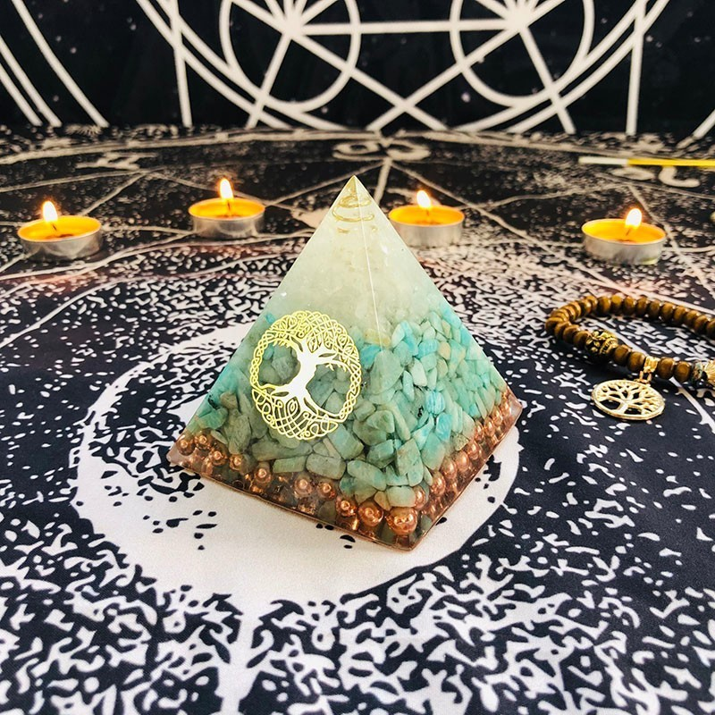 Aurareiki Orgonite Pyramid Raziel Vishuddha Chakra White Crystal Amazonite Resin Jewelry Decoration Faith Creativity Pyramid