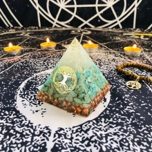 Orgonite Pyramid Raziel Vishuddha Chakra White Crystal Amazonite Resin Jewelry Decoration Faith Creativity Pyramid