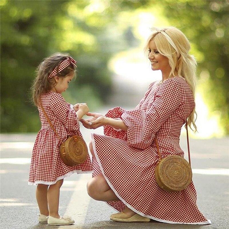 Christmas Mother Daughter Dresses Mom And Me Women Kids Girl Cute Checkerboard Dress Elegant Xmas Party Princess Dress C0390