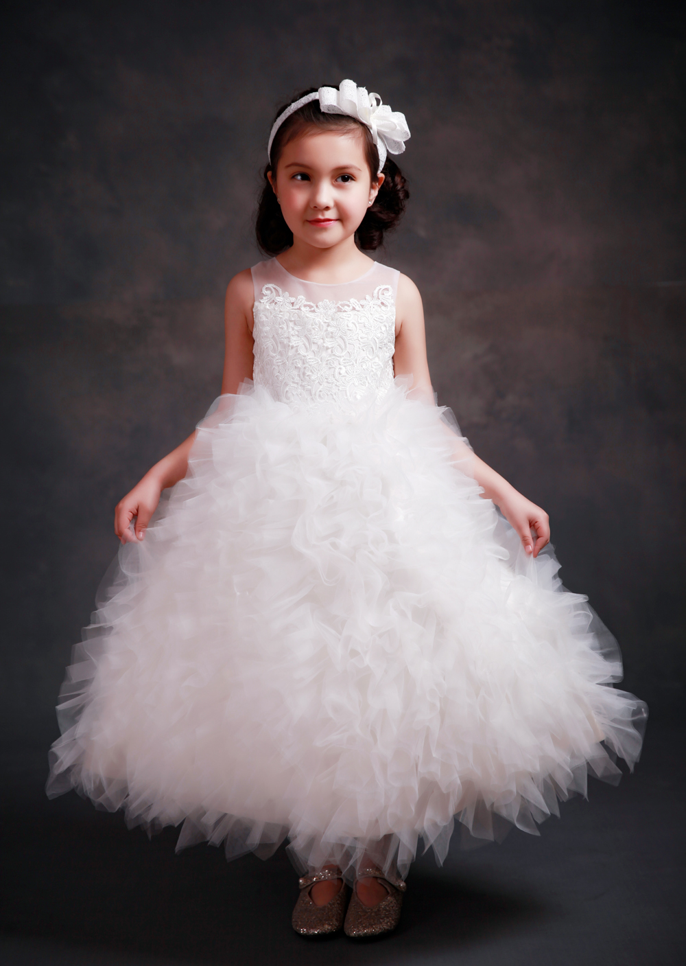 Puffy Girls Princess Pageant Dress Tulle Ruffles Tiered Evening Party Kids Ball Gowns Crystal Bow First Communion DressPuffy Girls Princess Pageant Dress Tulle Ruffles Tiered Evening Party Kids Ball Gowns Crystal Bow First Communion Dress
