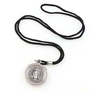 Черная веревочка 70 см, круглый вращающийся орден Святого Бенедикта, ожерелье с подвеской с серебряным и желтым золотом