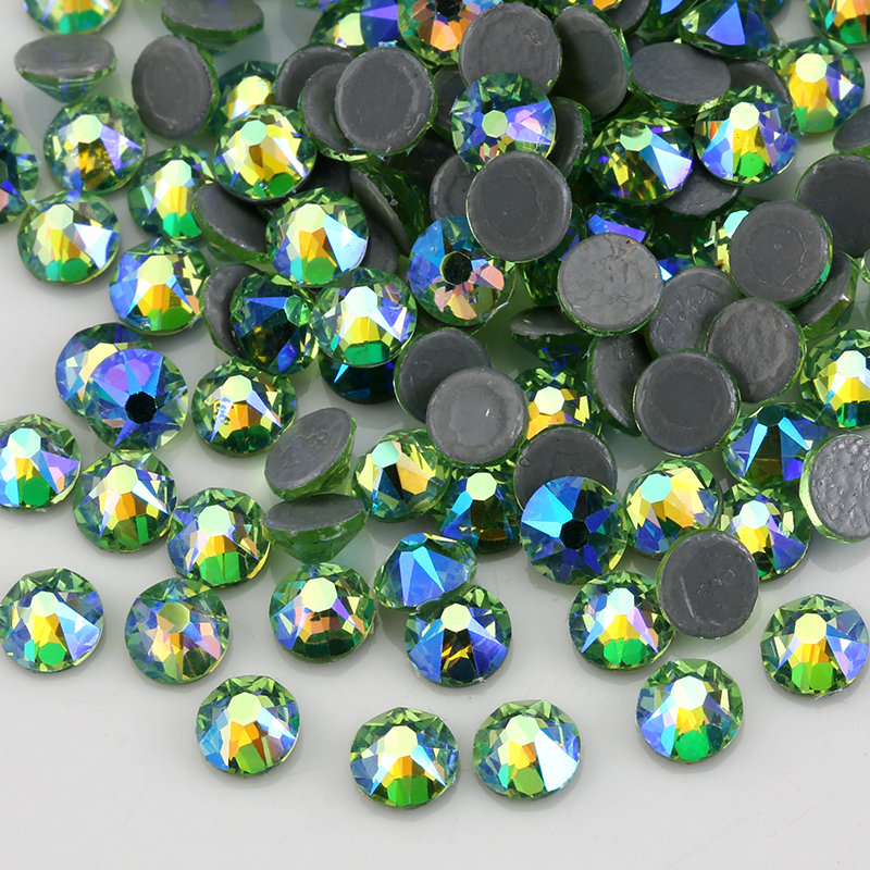 8 Grand 8 Petit vert Clair AB Cristal Hot Fix Strass Verre Pierres Flatback Strass Correctif Pierres Pour Les Vêtements Robes