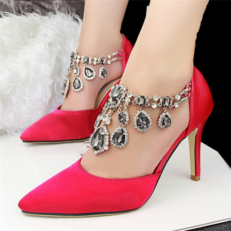 red high heels with diamonds | Gommap Blog