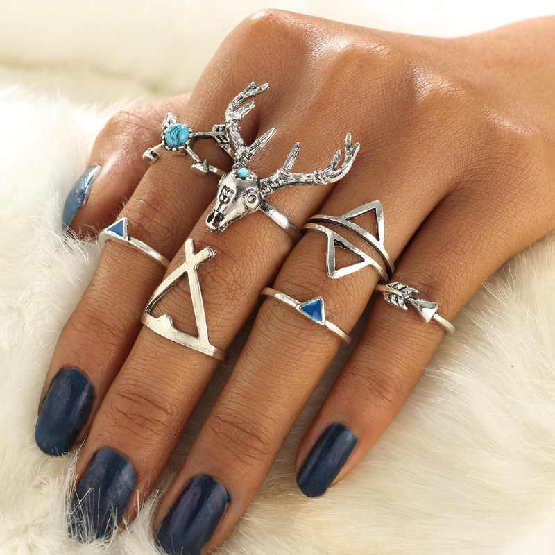 Vintage Knuckle Rings for Women Hollow Flower Blue Crystal Crown Ancient Silver Color Ring Middle Finger Jewelry Men