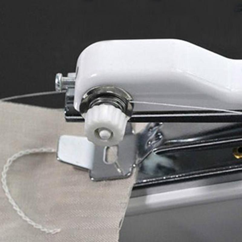 Ručni mini šivaći stroj Prijenosni džepni priručnik za šivanje - Umjetnost, obrt i šivanje - Foto 5