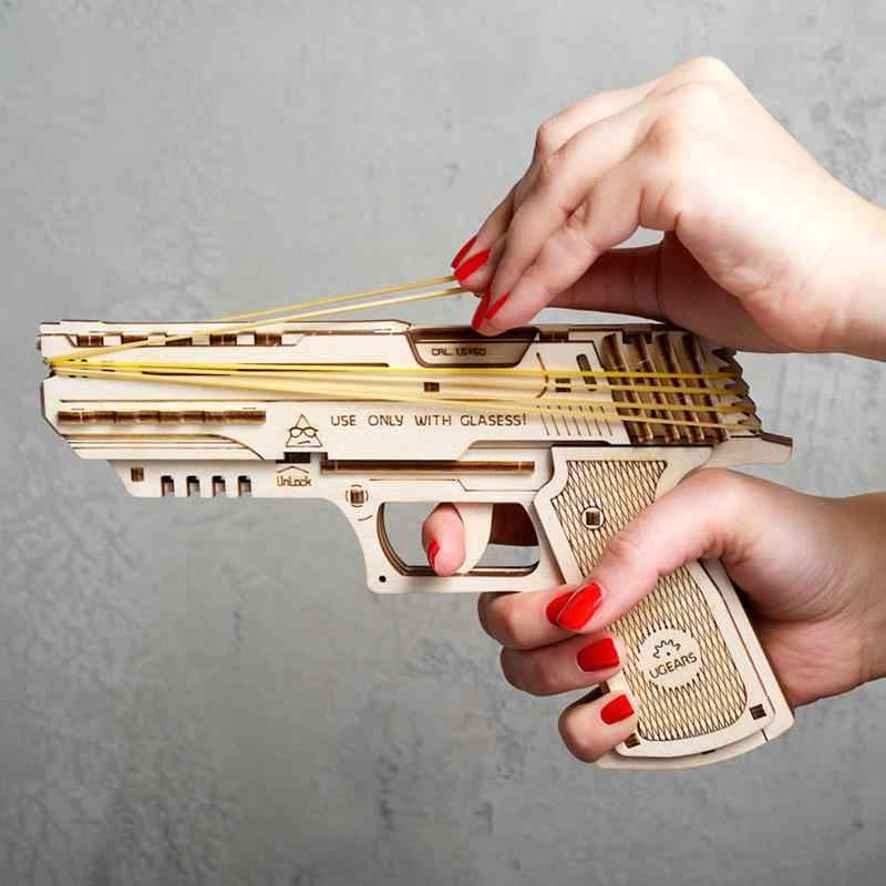 Pistola máquina de transmissão modelo de madeira, arma de borracha de simulação pode mesmo montar cabelo cabeça de madeira pistola de mão