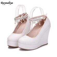 Wanita Hak Berlian Sepatu