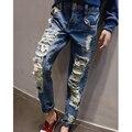 2016 Niños Niños Niñas Jeans pantalones otoño de la manera pantalones vaqueros de diseño muchacha del muchacho de los pantalones de mezclilla ocasional pantalones vaqueros rasgados pantalones para niñas niños 2 ~ 7años