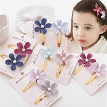 цена на 2Pcs Kids Girls Pearl Flower Hair Clip Girls Kids Hairpin Accessories For Children Hair Barrette Hairclip Headdress Headwear