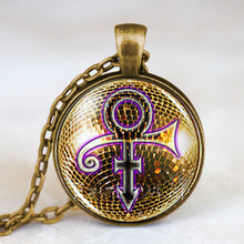 Prince RIP signo de oro símbolo camisa Poster Logo hombres hecho a mano vintage púrpura lluvia collar con colgante Steampunk joyería regalo cadena