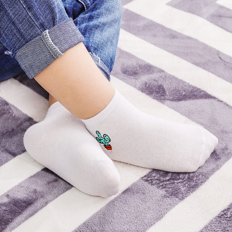 Pineapple Flowers Unisex Funny Casual Crew Socks Athletic Socks For Boys Girls Kids Teenagers