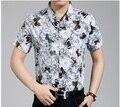 2015 el último estilo de moda de verano impresión de la mariposa hombres casual manga corta camisa de algodón