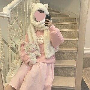 Image 2 - Foulard réchauffant pour femmes, joli ours oreilles, chapeau, peluche, écharpe à capuche, nouvelle mode, bonnet, joli cadeau pour filles
