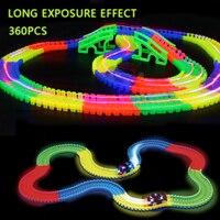 360 adet Parlayan Yarış Araba Twister Parça DIY Yanıp Sönen LED Işık Takip karanlık sihirli Demiryolu Otomobil Çocuk oyuncak araba hiçbir kutu
