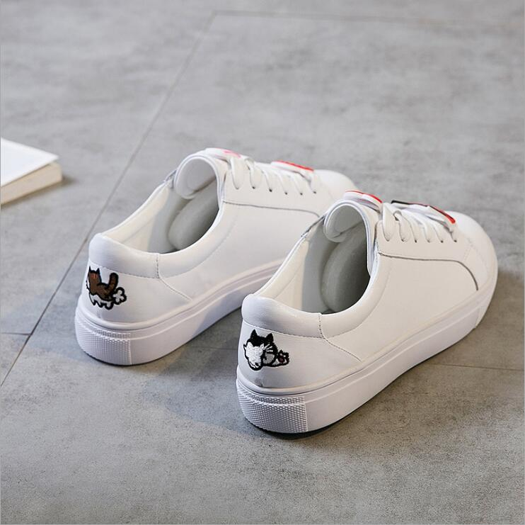 High Quality Skateboarding Shoes White Shoes Female 2018 Spring New Tie Korean Leisure Leather Round Head Womens Shoes BX04
