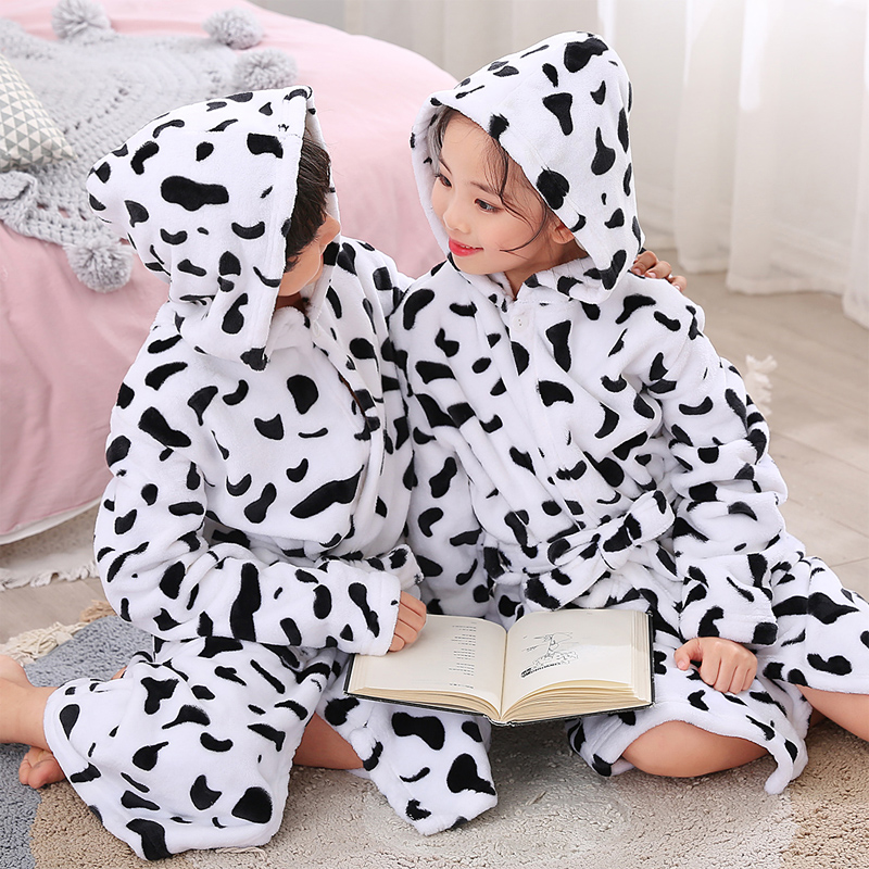 New Children Girls Robes Winter Lengthen Flannel Bath Robe for Kids Hooded  Cow Dressing Gown Girl Boys Sleepwear Pajamas Clothes-in Robes from Mother    Kids ... 8de6c3326