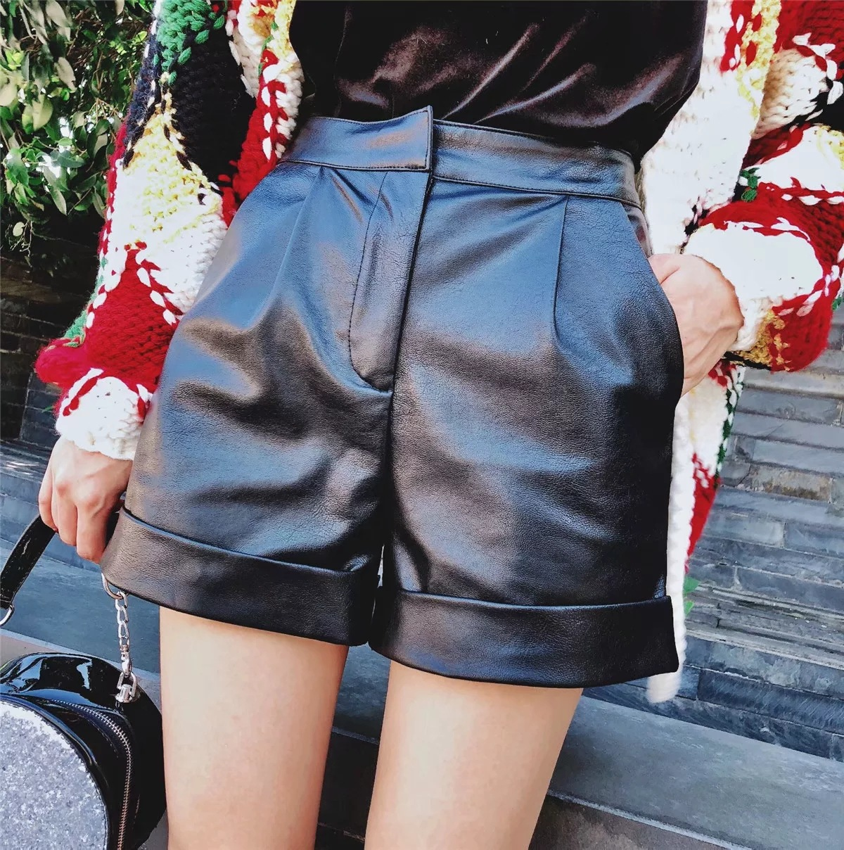 2019 Spring New Arrival Simple European & American Style Zipper Pu Leather Shorts 2 Colors Available Free Shipping