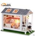 Presente de natal Diy casa de boneca mini modelo montado modelo de construção de madeira bonecas do amor de praia casa