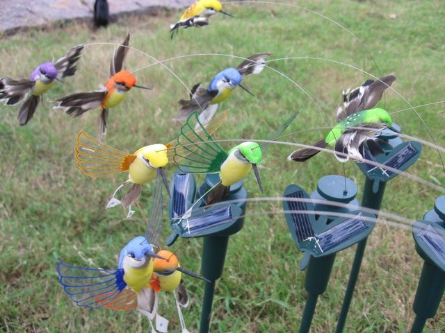 Elegant 144 Pcs Solar Fluttering Flying Hummingbird Garden Stake Wholesale Solar  Flying Bird Garden Stake Garden Decoration
