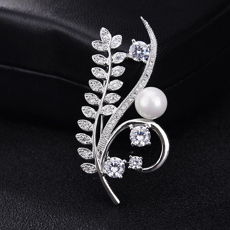 Red Trees Brand High Quality Elegant Sparkly Brooch With AAA Cubic Zirconia Flower Shape in Box