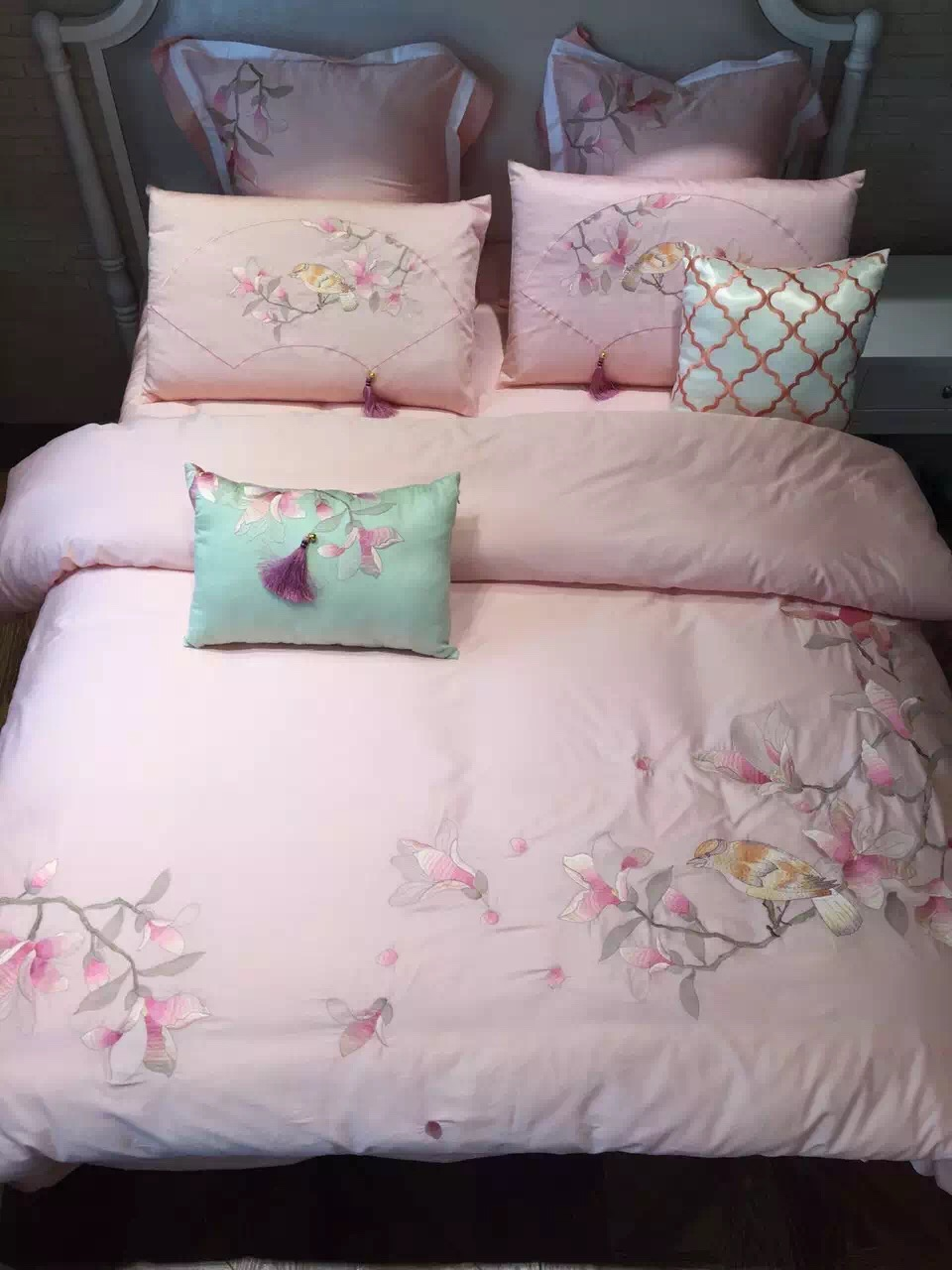 Brazilian embroidery bedspread designs - 4pcs Luxury 100 Fine Cotton Flowers And Bird Embroidered Bedspread Satin Embroidery Duvet Pillow Covers