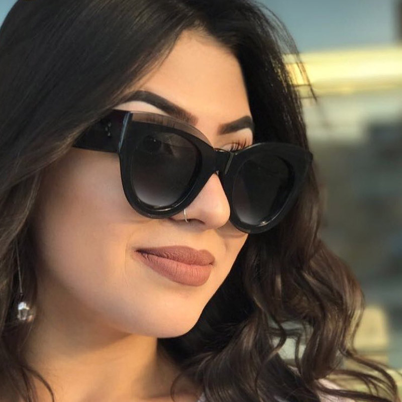 Фото дамы в очках #12