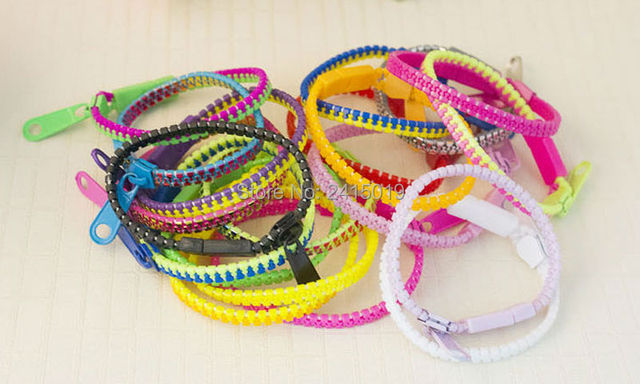 New Two Tone 50x S Boys Zipper Zip Bracelets Wristbands Plastic Bracelet Loot Pinata Party Bag