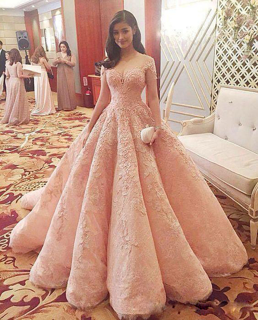 2017 New Blush Luxury Prom Dresses Vestidos De Fiesta Sheer Neckline Off Shoulders Lace Lique Beaded