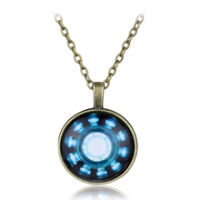 2 Colors Movie Series The Avengers Collier Fashion Iron Man United States Time Gem Glass Arc Captain Heart Charm Necklace