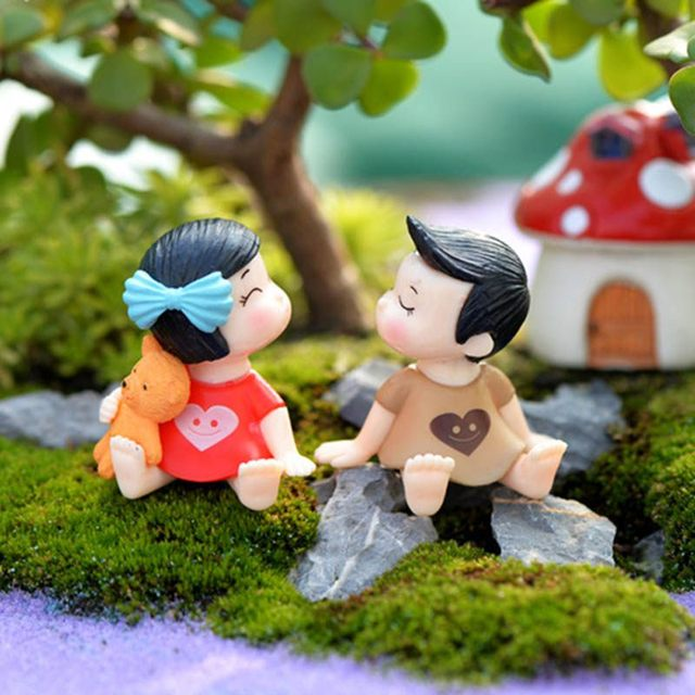 1Pair Sweety Lovers Couple Figurines Miniatures Fairy Garden Gnome Moss  Terrariums Resin Crafts Decoration Accessories New