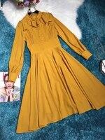 Высокая мода осень Стиль оборками Стенд воротник Дизайн Формальные Повседневное желтое платье 2018 Для женщин бутик элегантное плиссированн