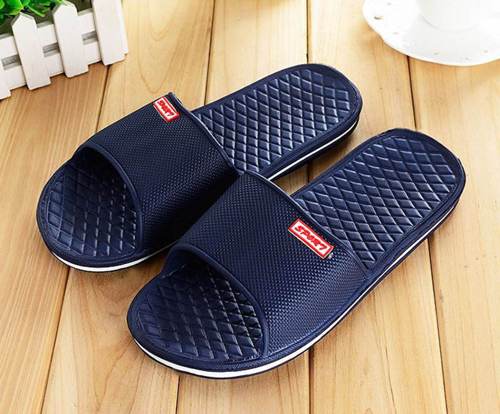 Men Shoes Solid Flat Bath Slippers Summer Sandals Indoor & Outdoor Slippers Casual Men Non-Slip Flip Flops Beach Shoes3.76