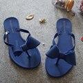 2016 Aleta Arco Chinelos de Salto Planas de Moda Feminina Cor Sólida Chinelos Sapatos de Geléia