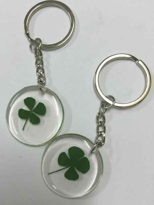 FREE SHIPPING 12 PCS Handcraft Jewelry real green four leaf clover round style keychain