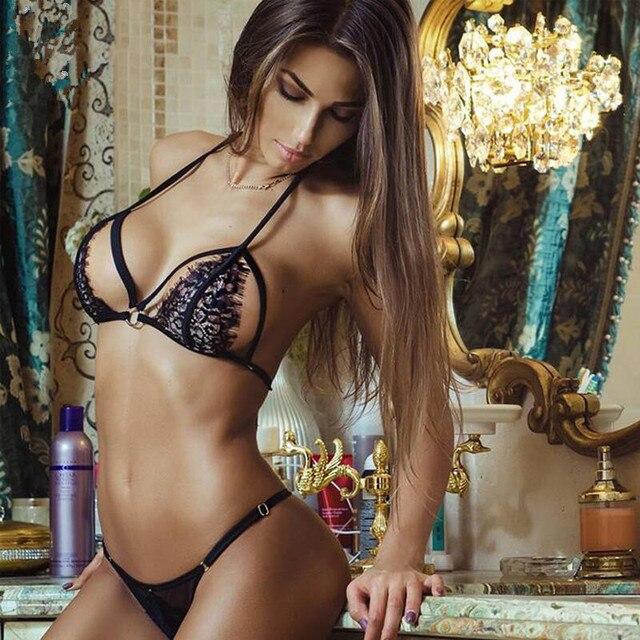 2018 mujeres atractivas del cordón hueco colgante cuello sexy lingerie set  Hollow BRA + g- 9de9a8a593e7