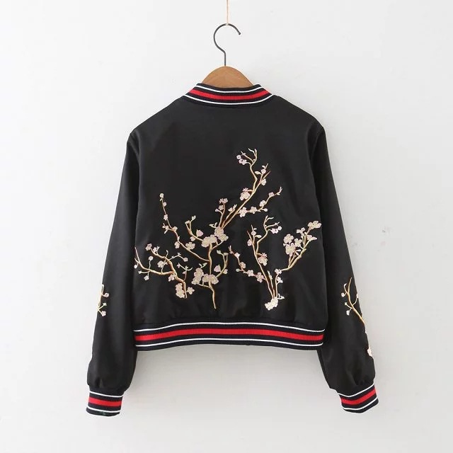 Женщины Весна Куртка Зимняя Мода Цветочные Вышитые Куртки Атласная Vintage Марка пальто Женщины Clothing OutwearWT0109