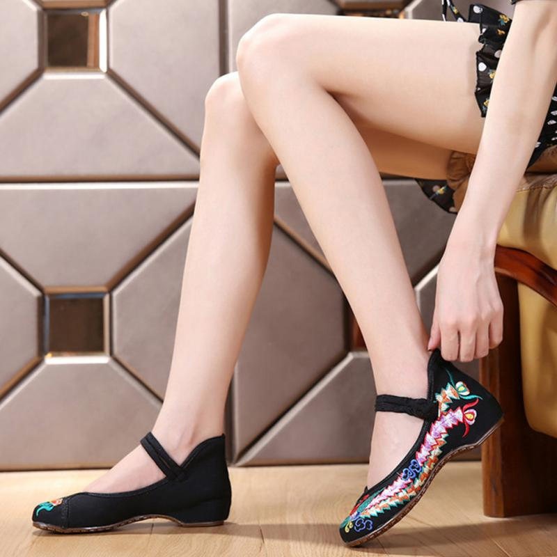 3 Colors Fashion Women Shoes Old Peking Mary Jane Canvas Flats Flower Embroidery Soft Sole Casual Shoes Plus Size 41 mix style women s shoes old peking mary jane flat heel denim flats with embroidery soft sole casual shoes size 34 41