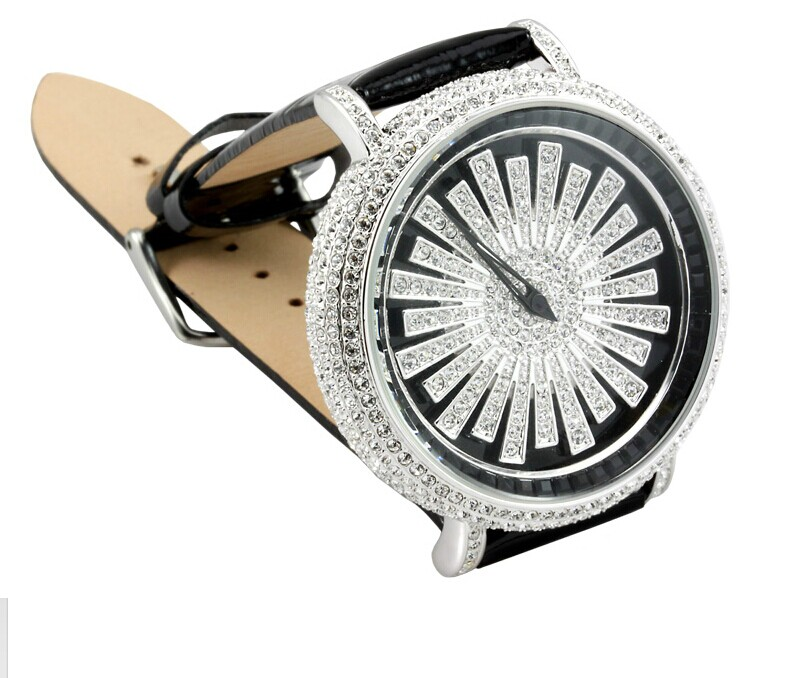 European Vogue Girls 46MM Big Size Crystals Watches Fashion Rotated Real Leather Dress Wrist watch Quartz Casual Relojes WA008