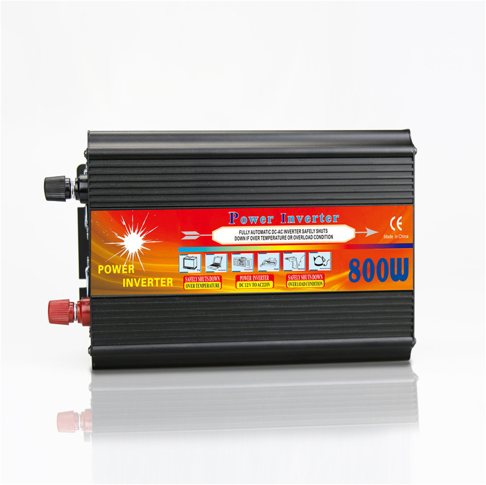 800W Solar Inverter Multifunctional Travel Power Supply Control Car power inverter Mobile phone charger LCD Display